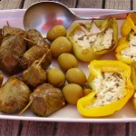 Dolmadakia mit Sardellenfilet gefüllt