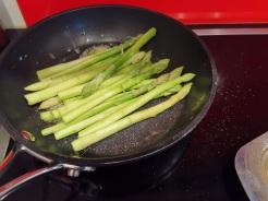 Wagyu Beiried auf Matchasauce mit Gemüsepalatschinken 1