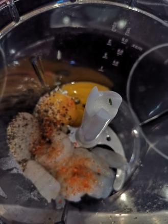 Lachs mit gefüllten Wan Tan auf Wasabischaum 6