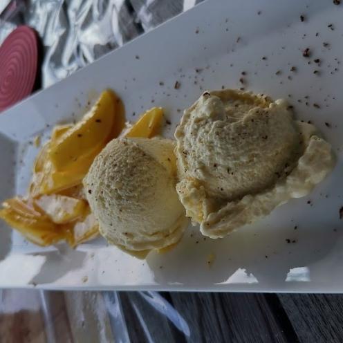 Calvadosapfeleis mit karamellisierten Calvadosäpfel 1