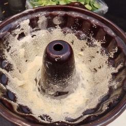 Weißwurst Gugelhupf mit Senfsauce 7