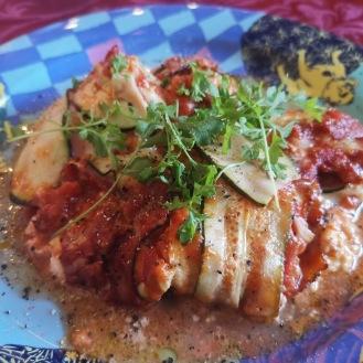 Zucchini-Käse-Röllchen in Tomatensauce 1
