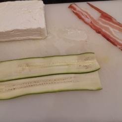 Zucchini-Käse-Röllchen in Tomatensauce 7